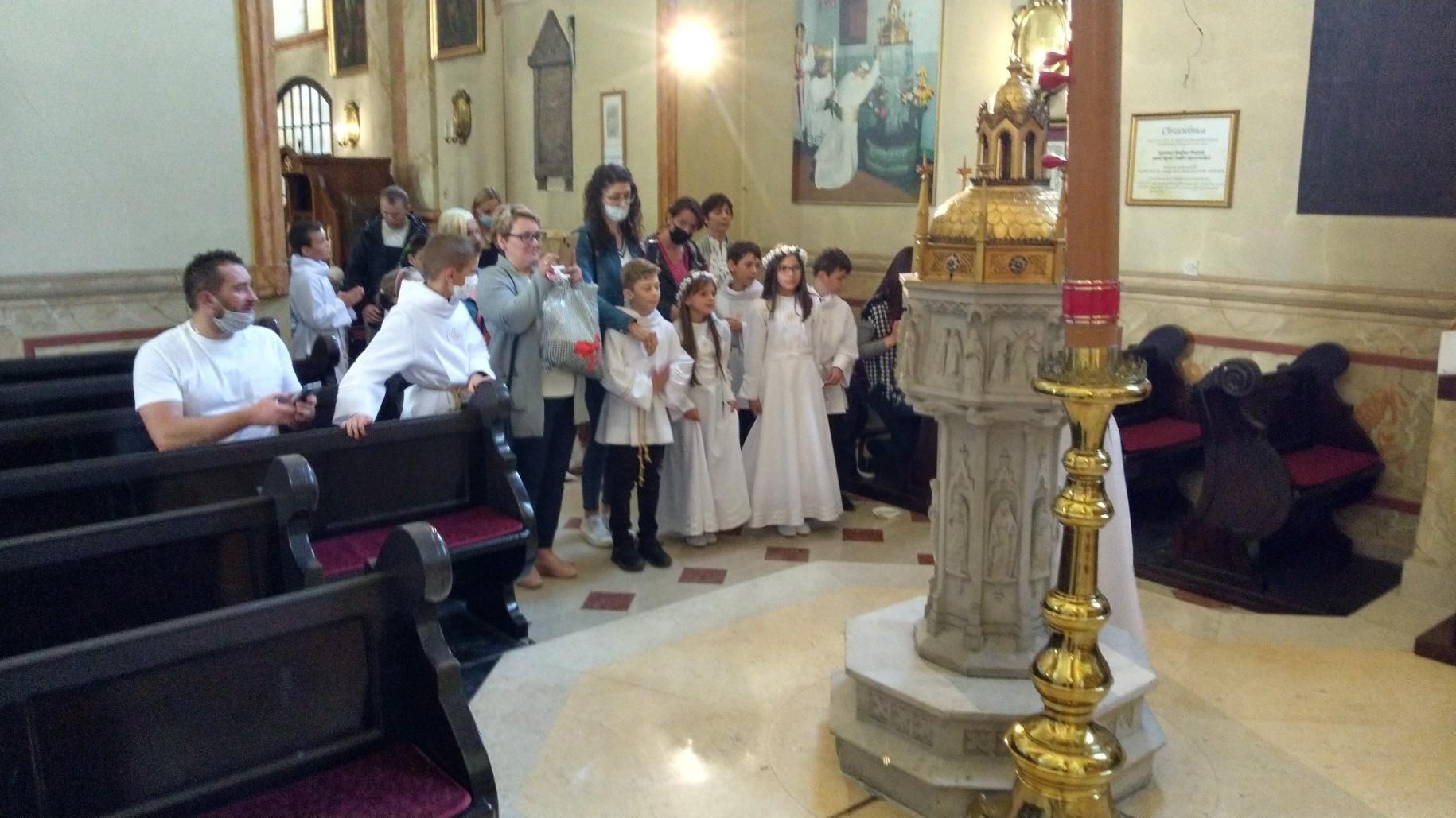 Modlitwa przy papieskiej chrzcielnicy....