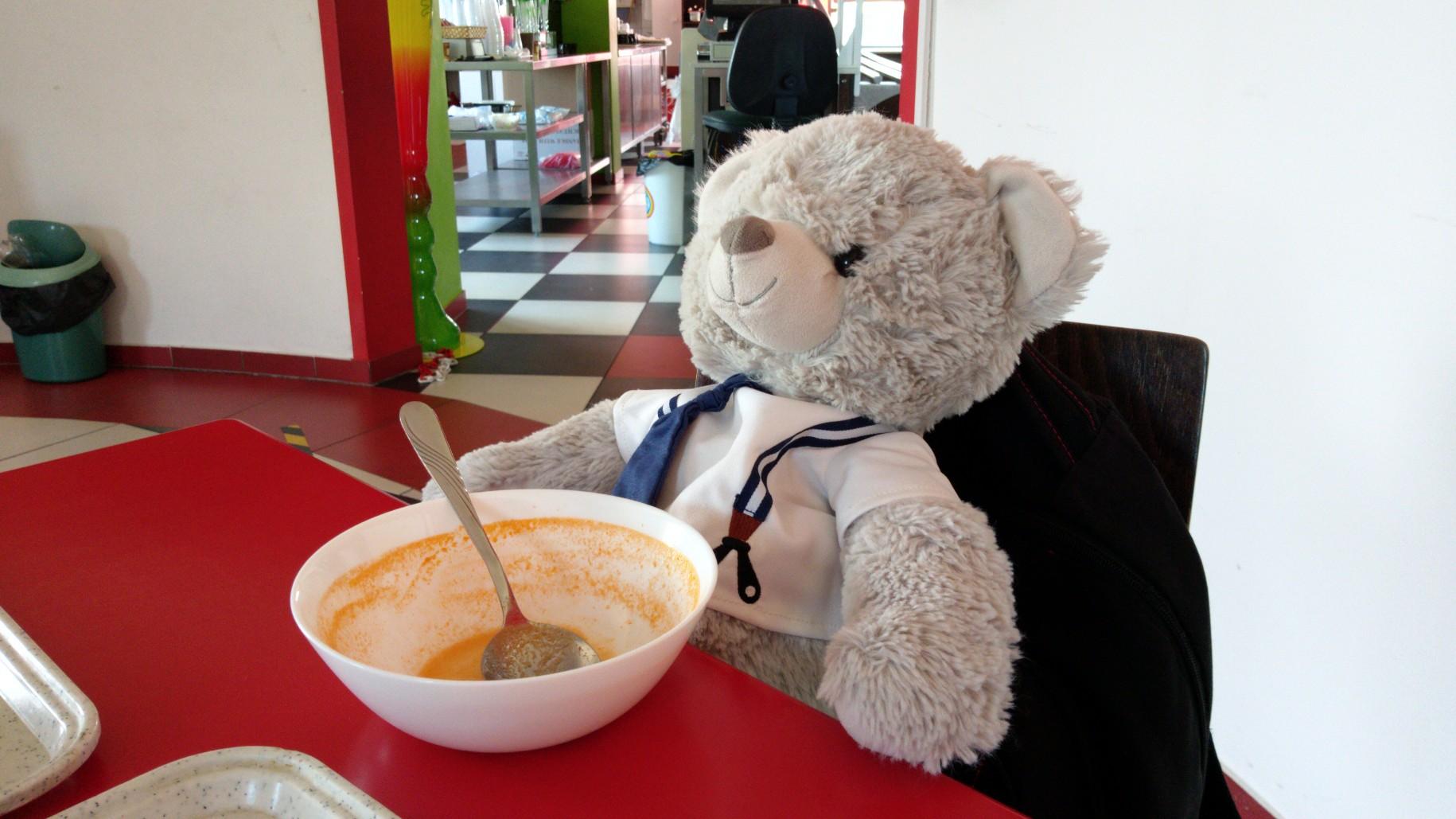 Franek niedźwiadek mówi, że czas na obiadek :)